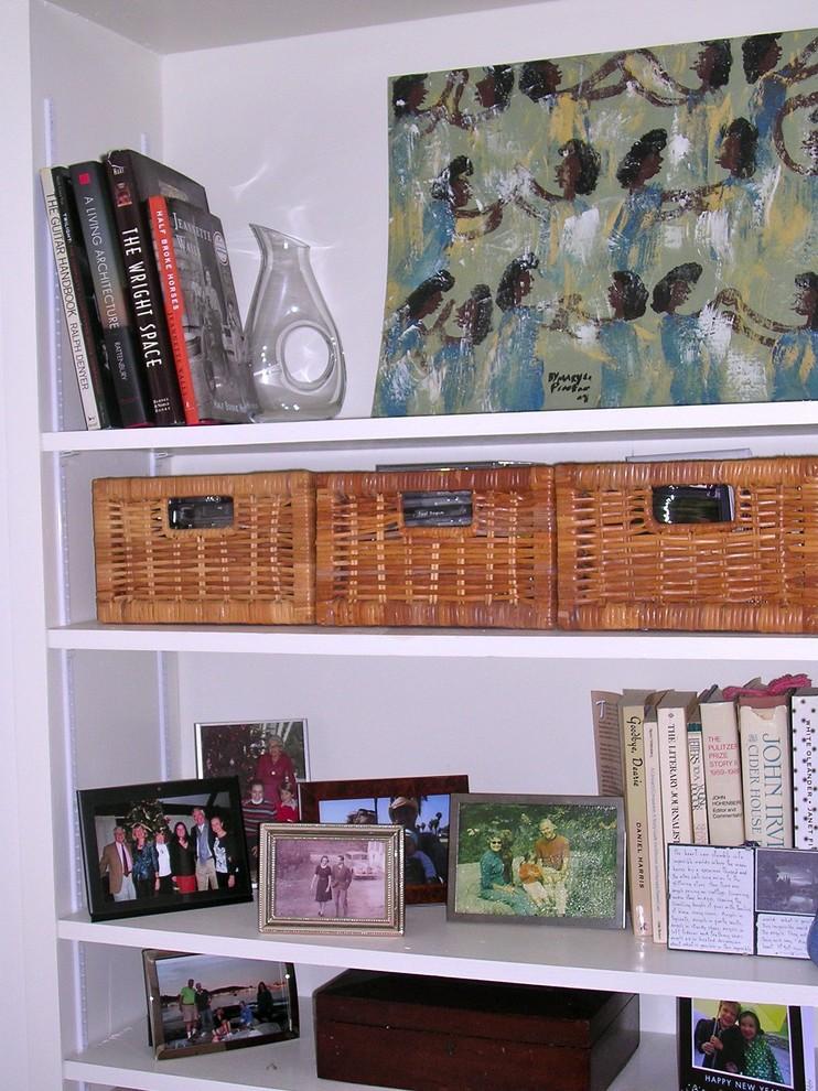 Стеллаж для книг и фотографий
