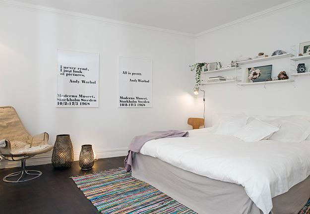 Постеры с отражательным эффектом в спальне