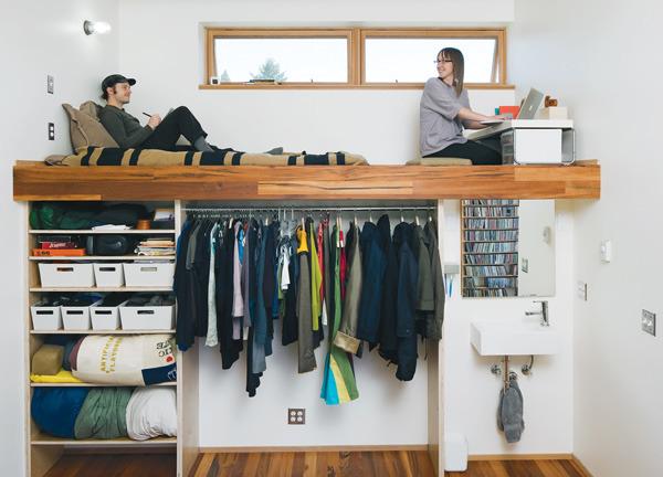 Спальня над гардеробной