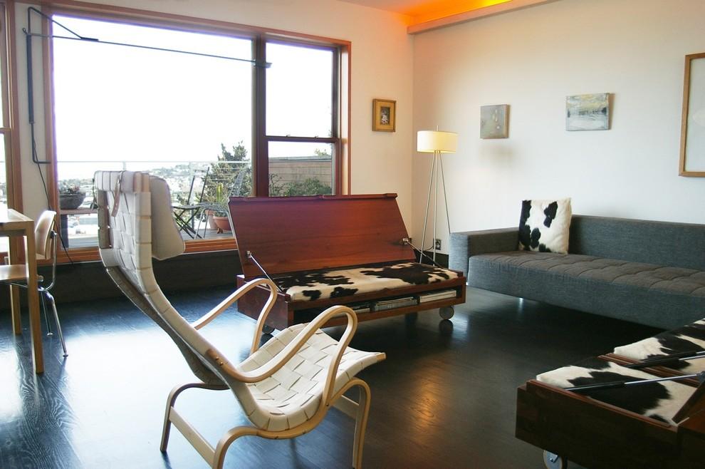 Многофункциональная мебель в гостиной