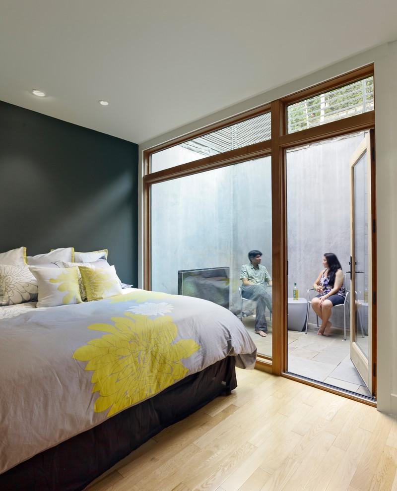Спальня с выходом на открытую веранду