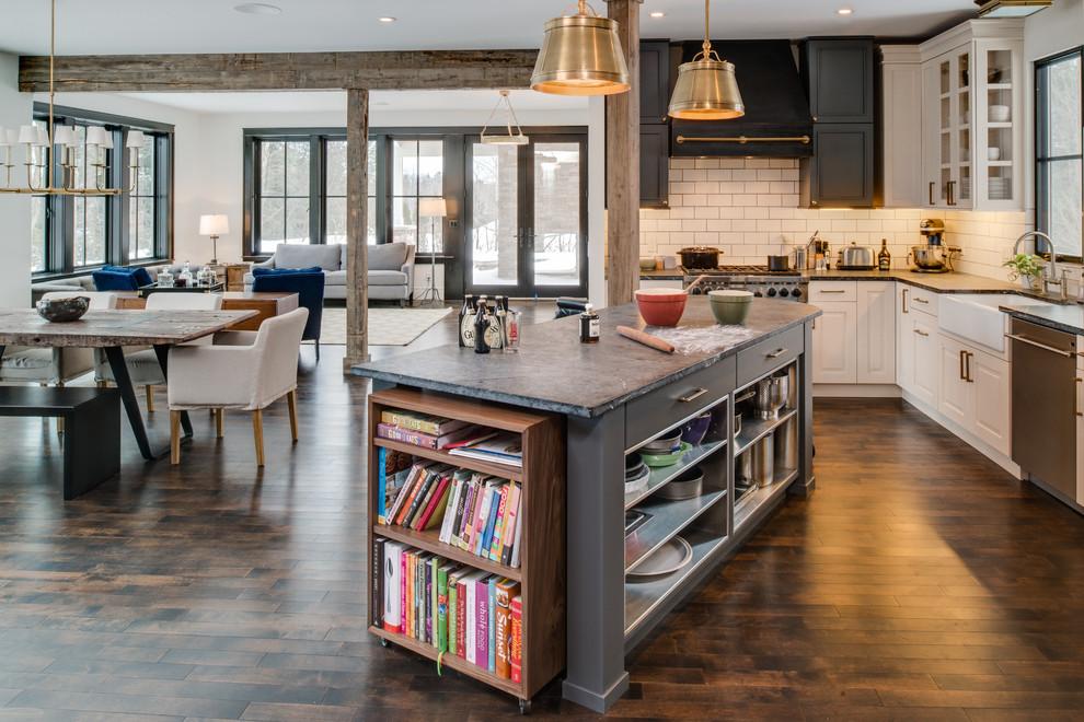 Кухонный остров с тумбочкой для книг