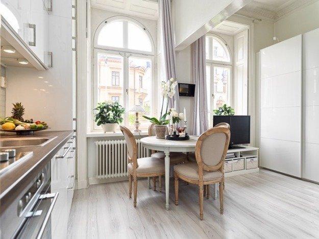 Элегантная кухня со столовой