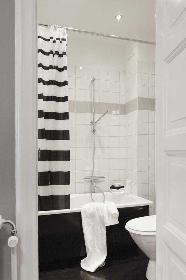 Ванная в чёрно-белом цвете