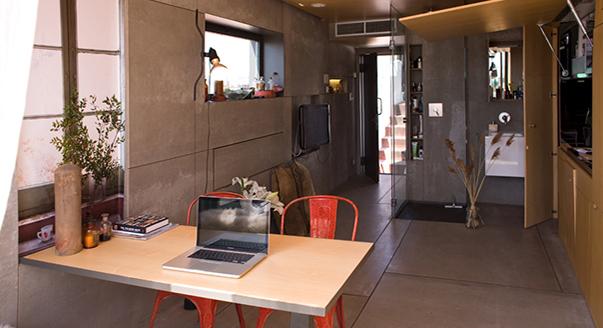 Интерьер маленькой студии в Барселоне