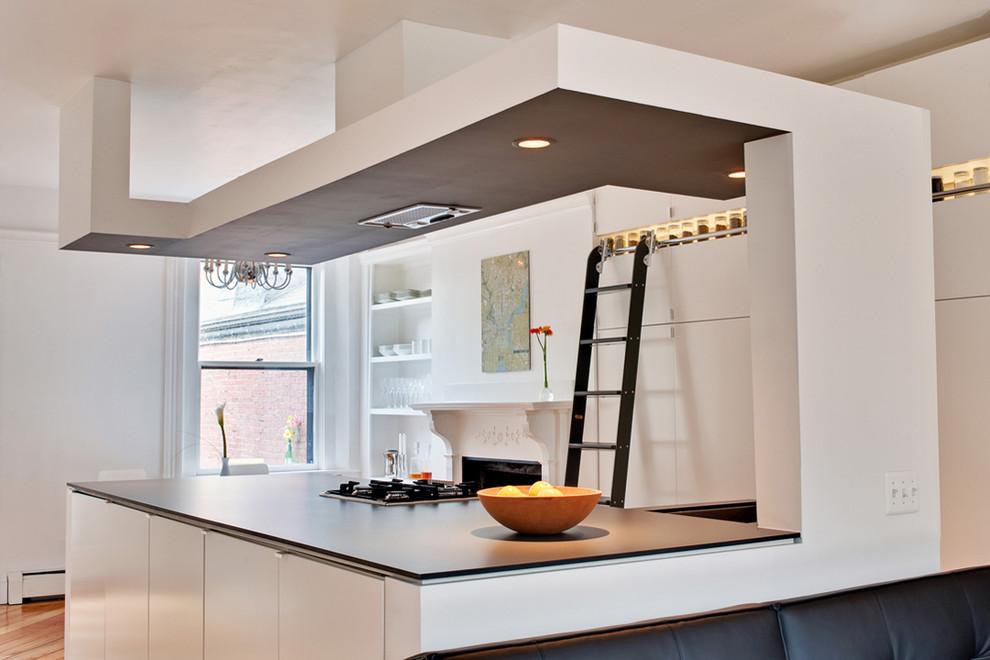 Кухонная панель со встроенной вытяжкой и подсветкой
