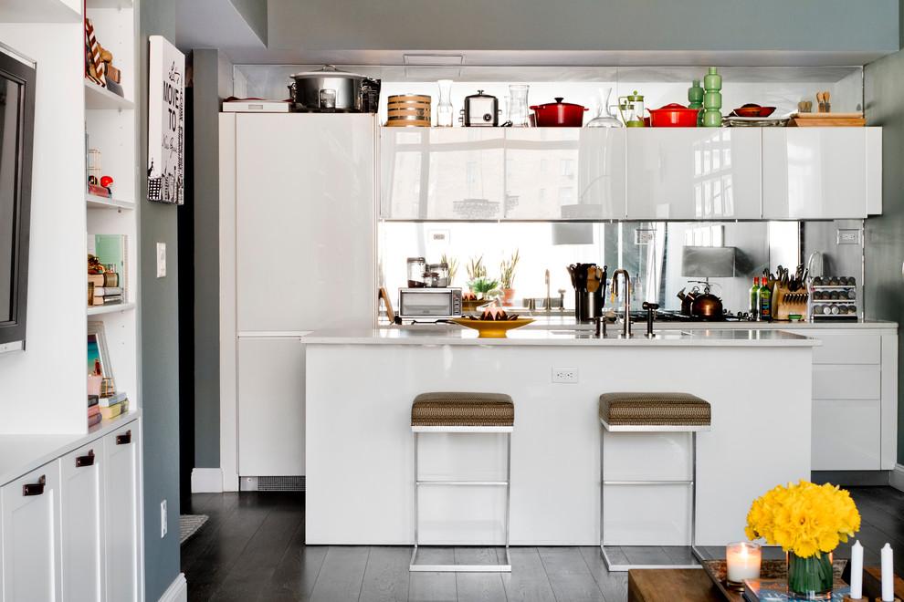 Маленькая кухня в гостиной