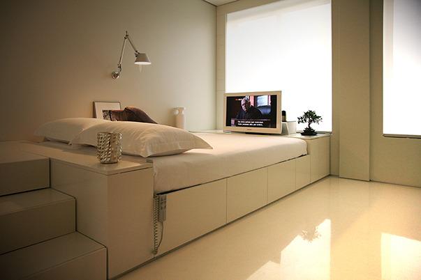 Спальное место с выдвижными ящиками