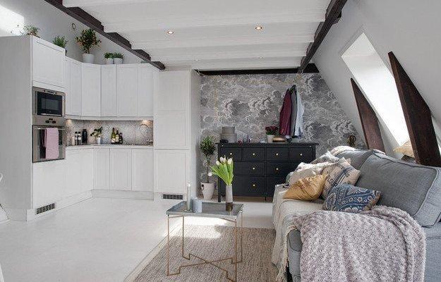 Интерьер квартиры-студии на мансарде