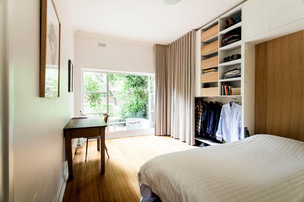 Интерьер маленькой квартиры-студии в светлых тонах