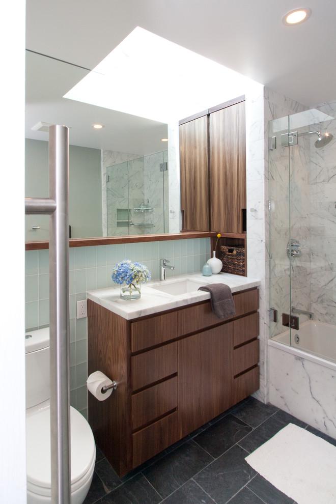 Светодиодные панели на потолке в ванной