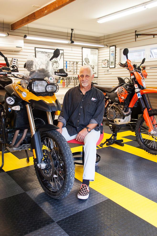 Мотоциклы в гараже