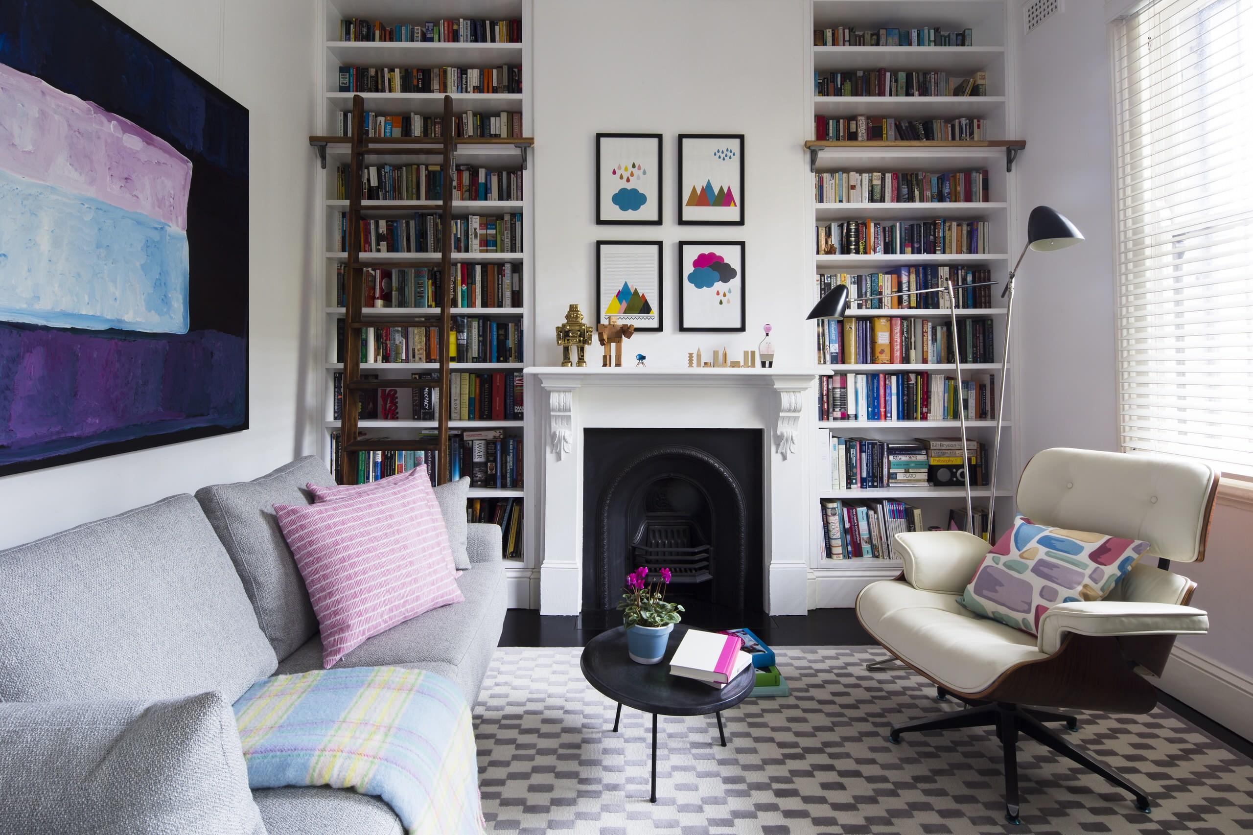 Библиотека в маленькой гостиной