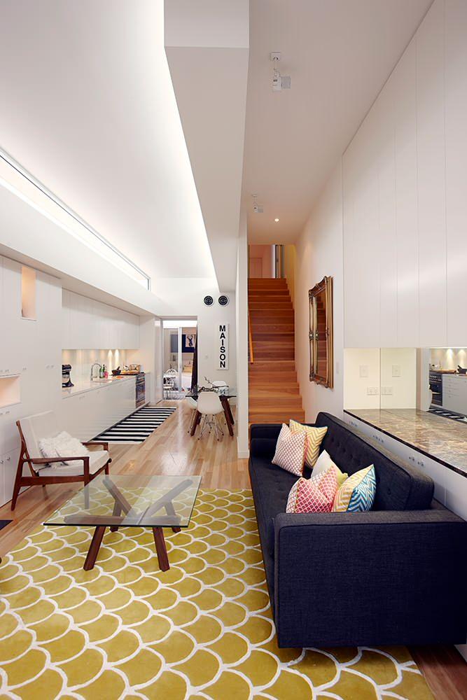 Оформление узкой маленькой гостиной