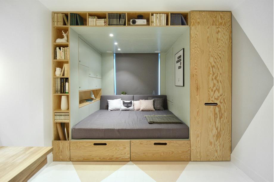 Спальное место в маленькой комнате