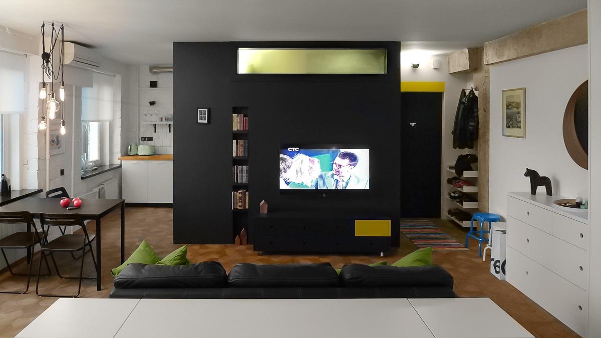 Оформление маленькой квартиры студии в чёрно-белом цвете - фото 1