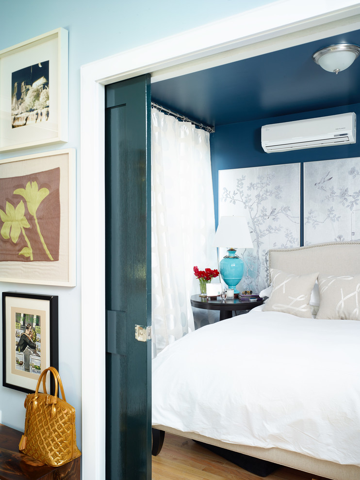 Маленькая спальня за откатной дверью