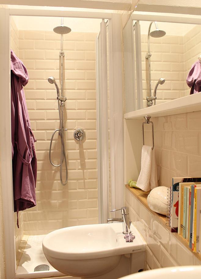 Ванная небольшой квартиры-студии в Милане