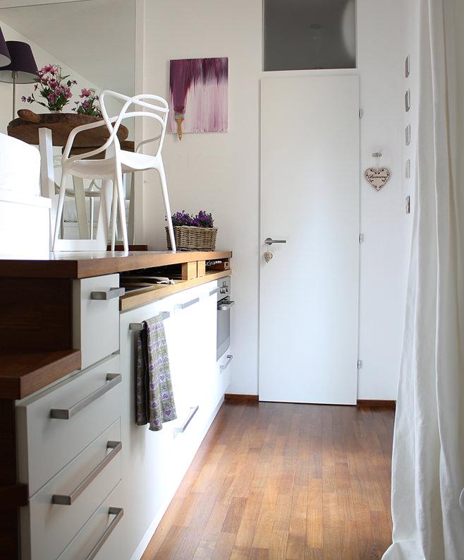 Прихожая небольшой квартиры-студии в Милане