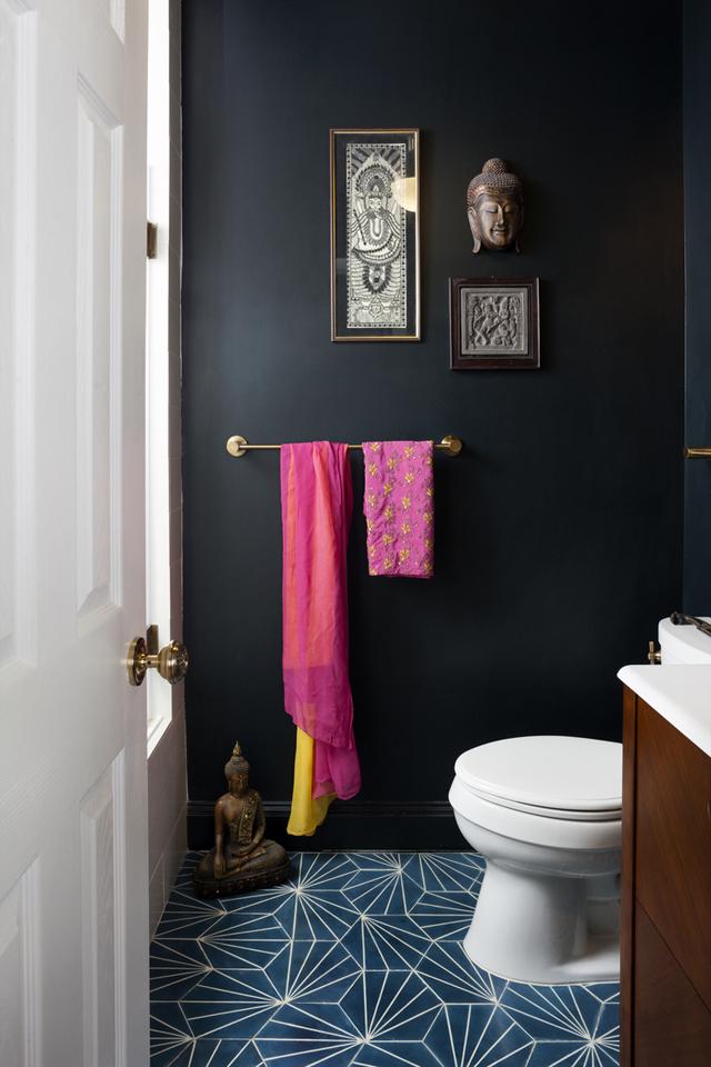 Яркие акценты в оформлении ванной