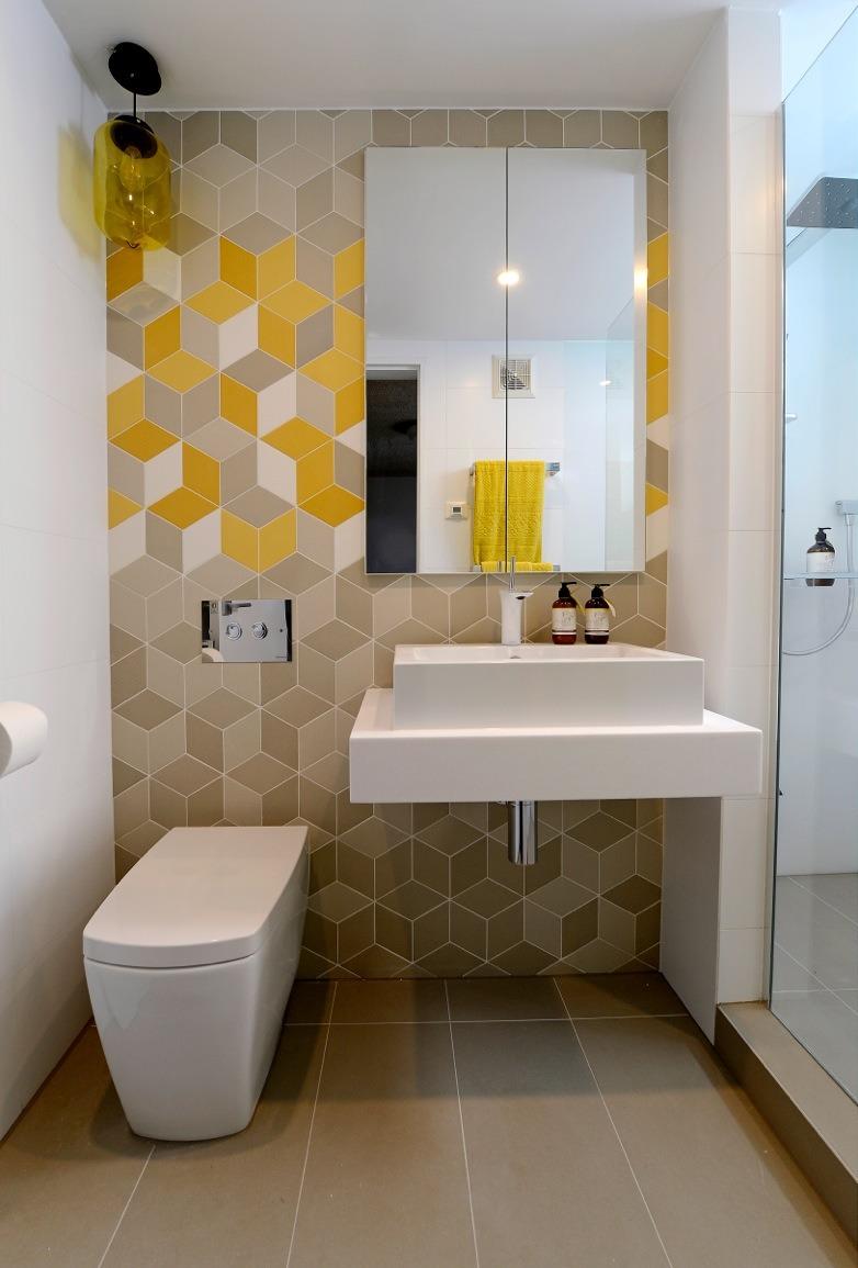 Геометрический узор в оформлении ванной