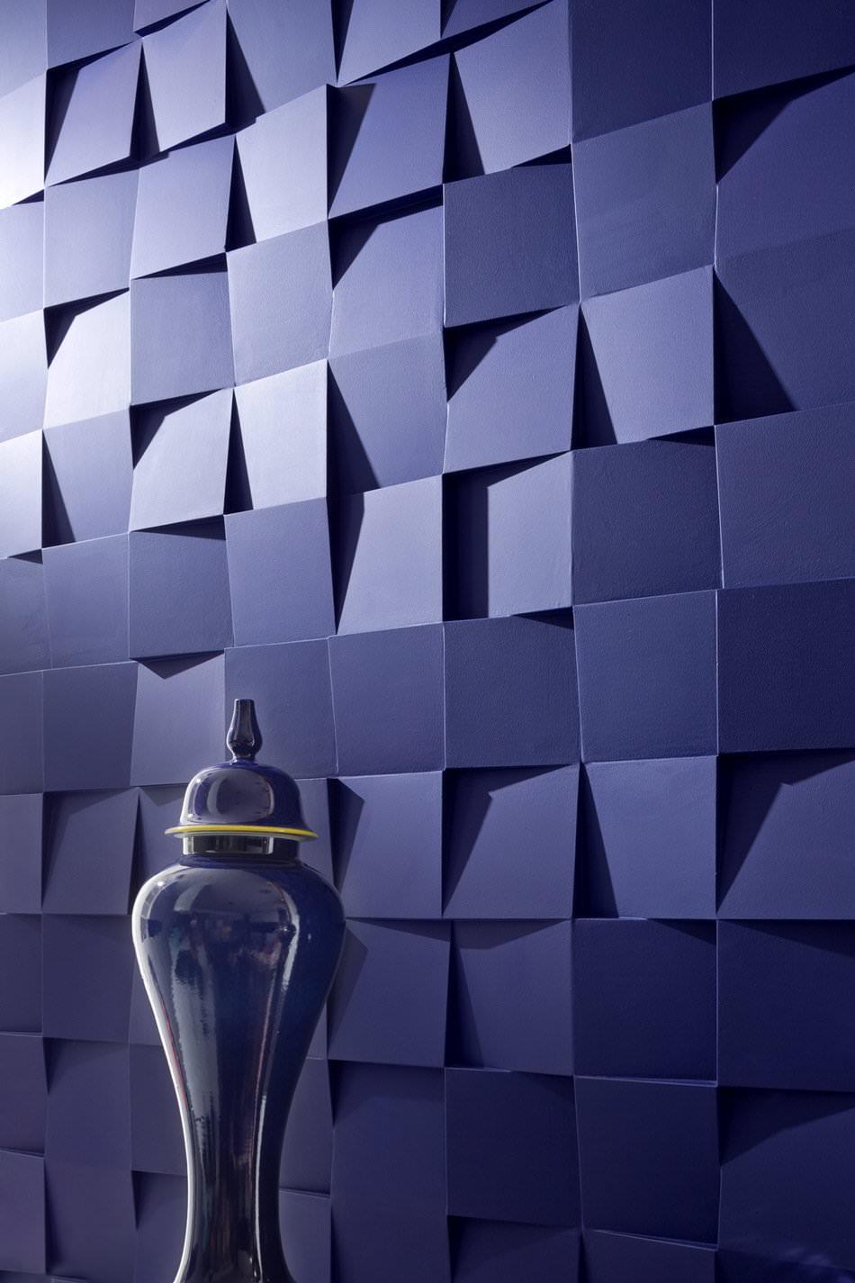 Оригинальное покрытие стен в стильной квартире-студии