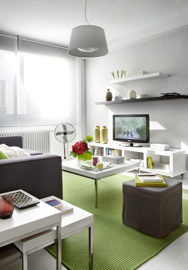 Гостиная квартиры-студии в Испании