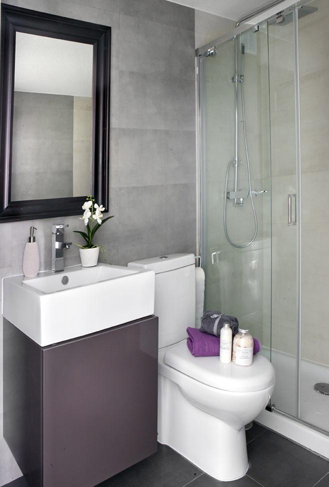 Ванная квартиры-студии в Испании