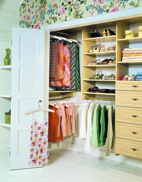 Штанги для подвешивания вещей в гардеробной