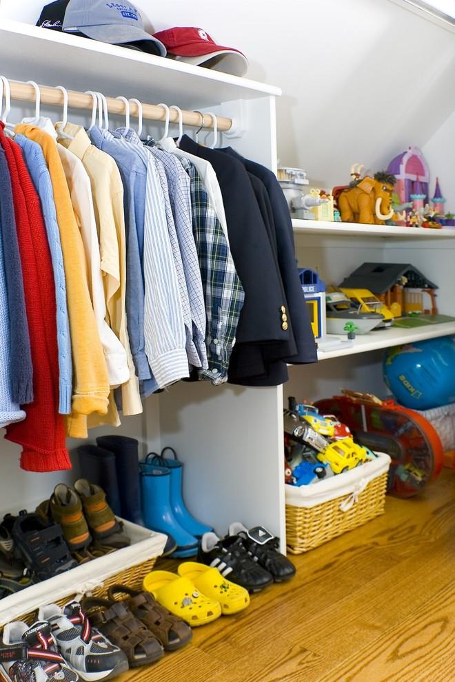 Контейнеры для игрушек в гардеробной
