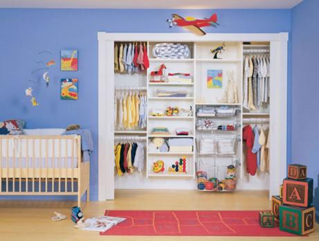 Встроенный шкаф для одежды двоих детей