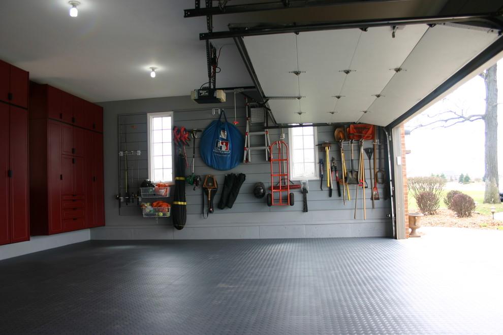 Системы хранения на стене в гараже