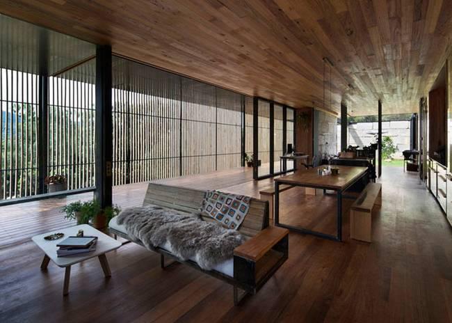 Недорогой дом из бетонных блоков. Дверь-ворота - фото 2