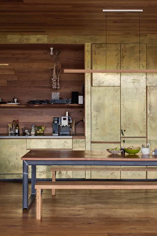 Недорогой дом из бетонных блоков. Кухонные шкафы