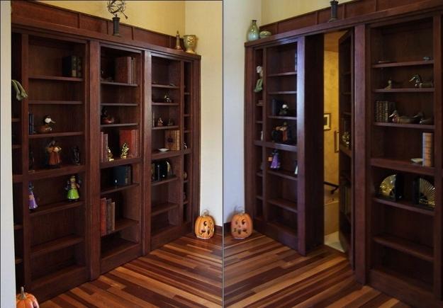 Потайная дверь в шкафу