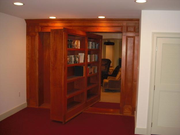 Вращающийся книжный шкаф