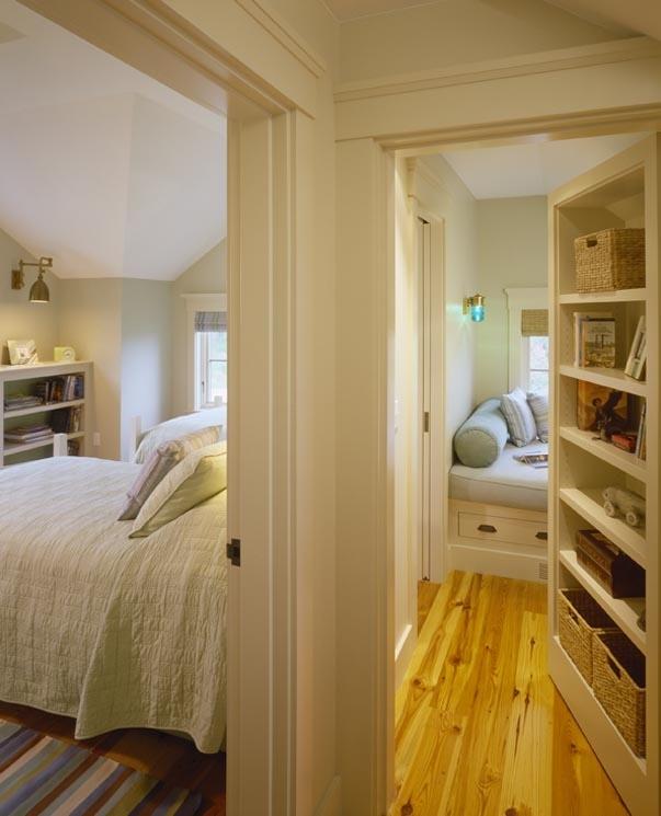 Скрытый ход в комнату для чтения