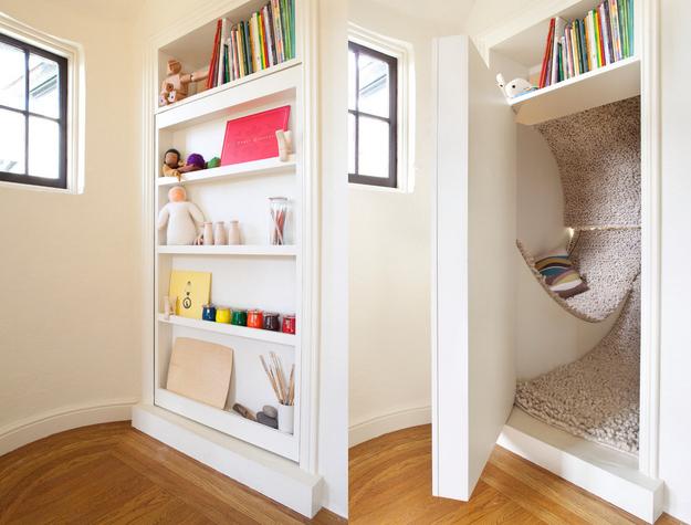 Скрытый ход в маленькую комнату для чтения