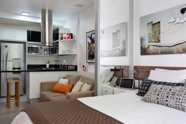 Интерьер узкой квартиры-студии
