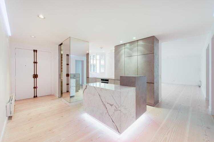 Парижская квартира, интерьер полон оригинальных решений