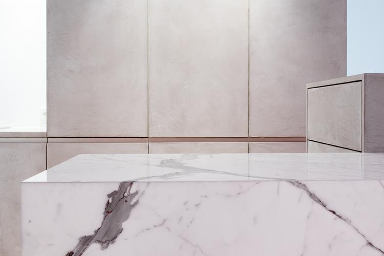 Мраморная поверхность столешницы