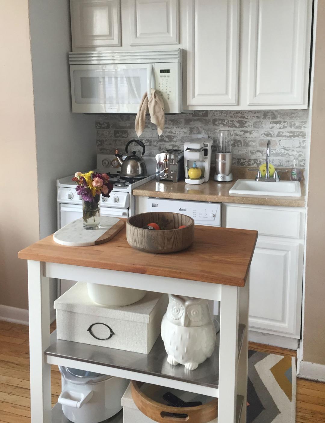 Переделка маленькой кухни в кухню с островом