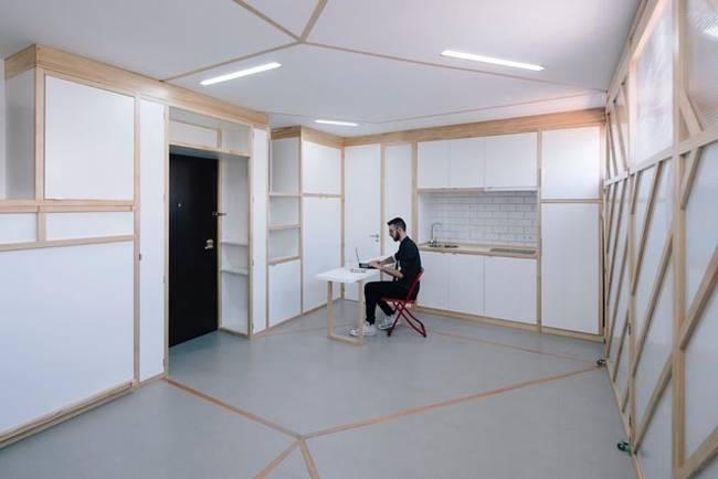 Рабочая зона в квартире с передвижными стенами