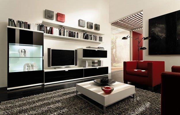 Красные и чёрные акценты в белой гостиной