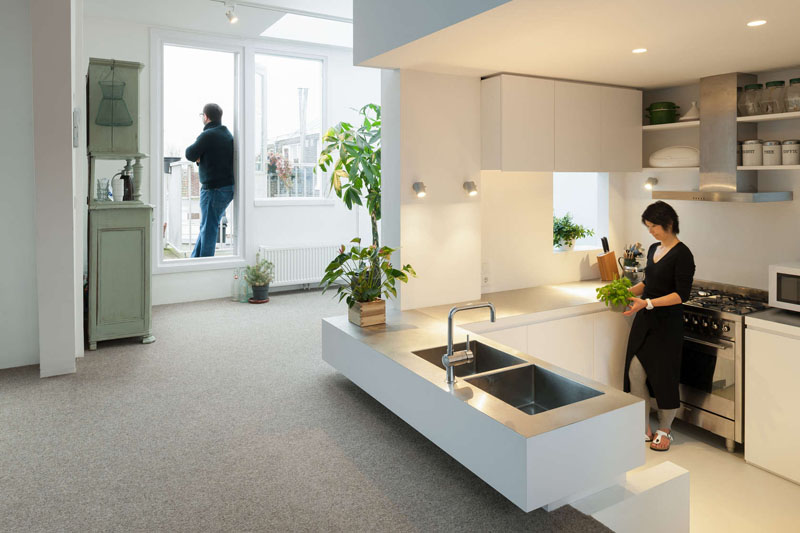 Планировка маленькой кухни в белом цвете