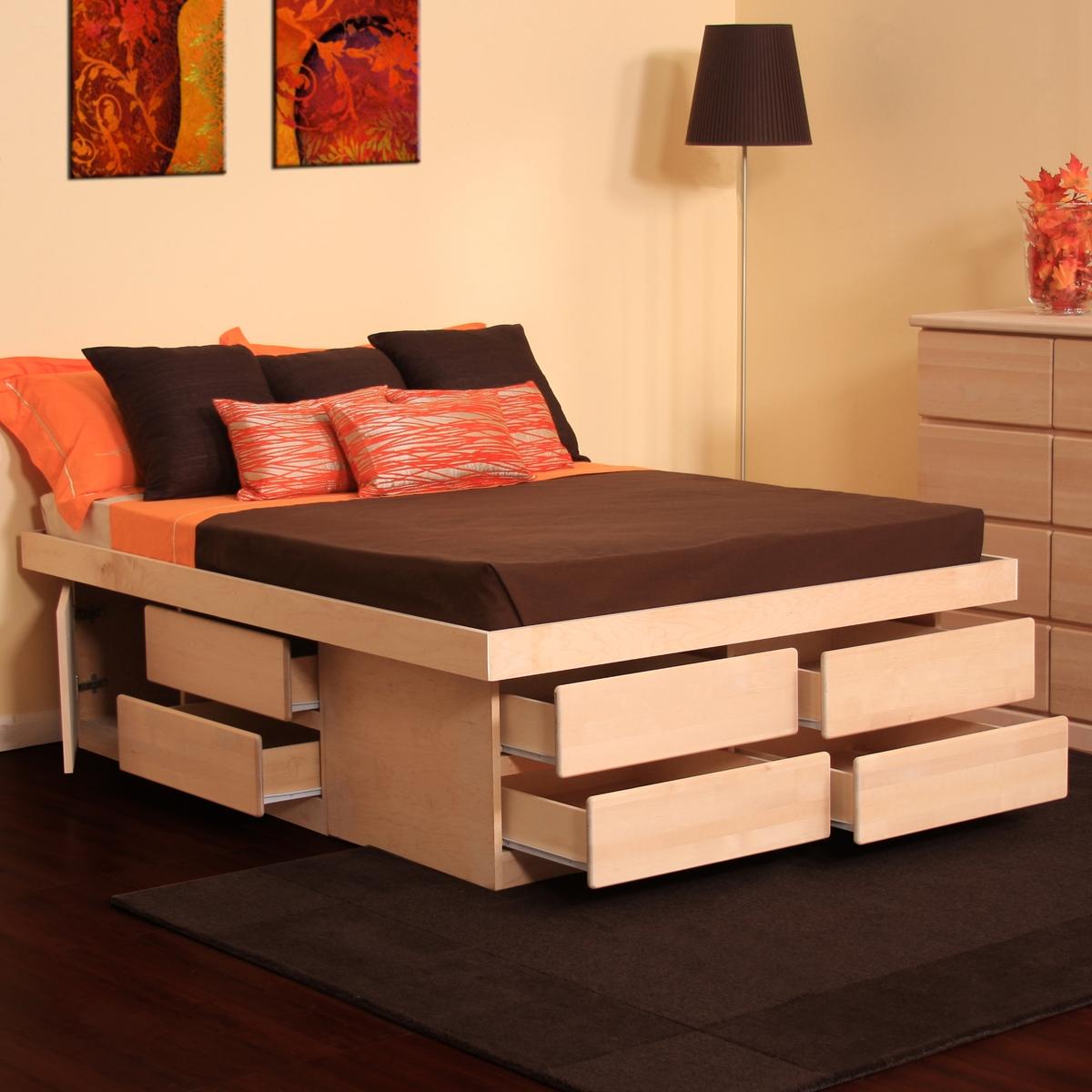 Кровать с выдвижными ящиками
