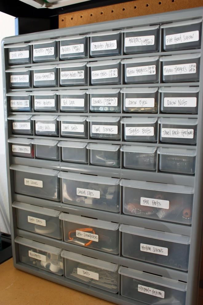Ящики для хранения в гараже