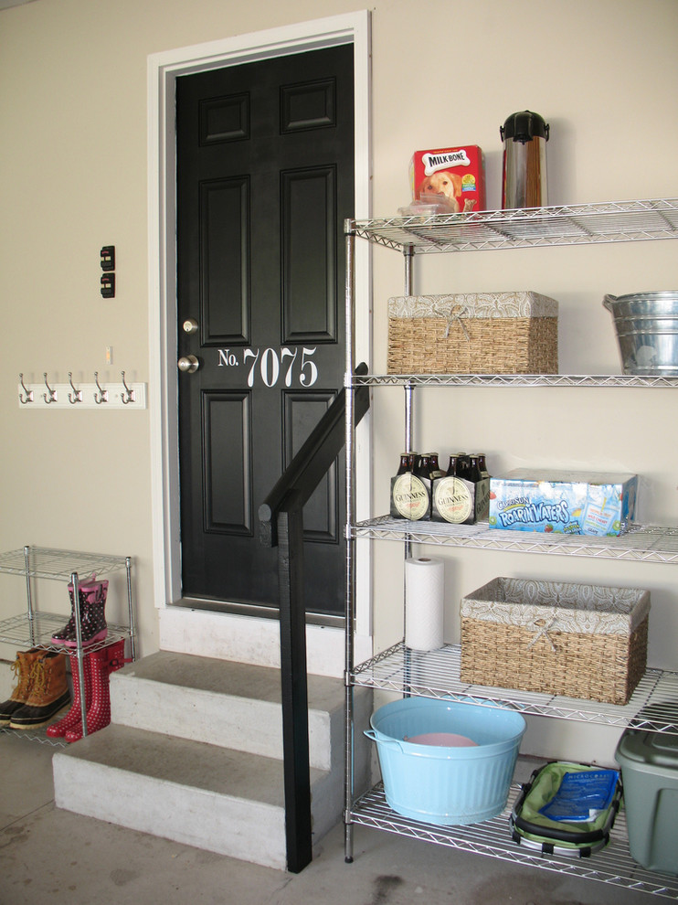 Стеллажи для хранения в гараже