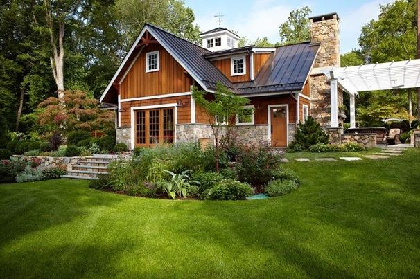 Жилой дом и гараж