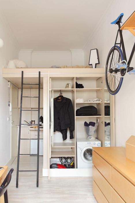 Гардеробная в интерьере маленькой квартиры